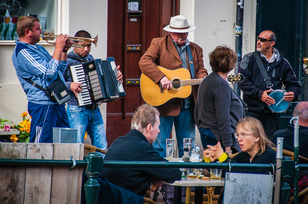cafe_buskers