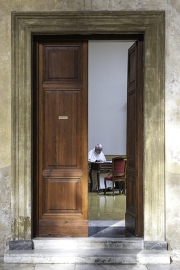 view_into_the_sacristy