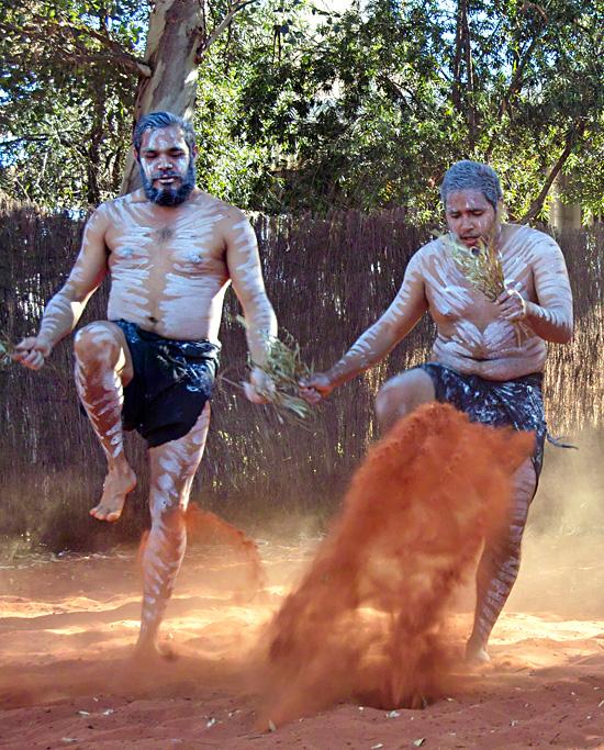 Wakagetti Cultural Dancers