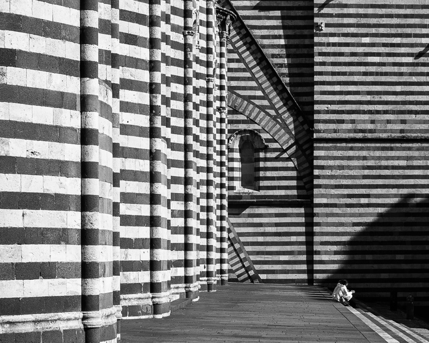 rows of lines at orvieto