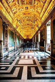 vatican_museum_hallway