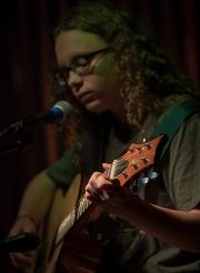 Emma_and_Guitar