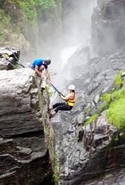 Gorge_Climbing