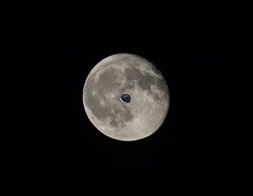 Eye _of_ the_ Moon