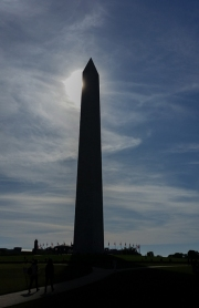 monument_at_noon