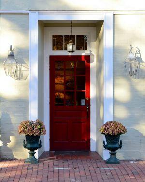 lanterns_mums_by_red_door